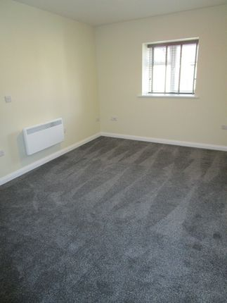 1 bed flat to rent in Somerset House, Davies Street, Brynmawr, Gwent NP23