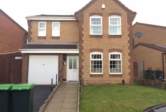 Thumbnail Detached house to rent in Honeysuckle Drive, Walsall