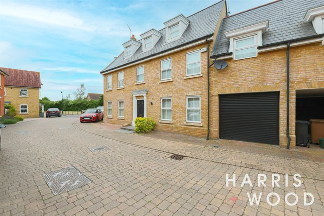 5 bed detached house to rent in Eglinton Drive, Chelmsford CM2