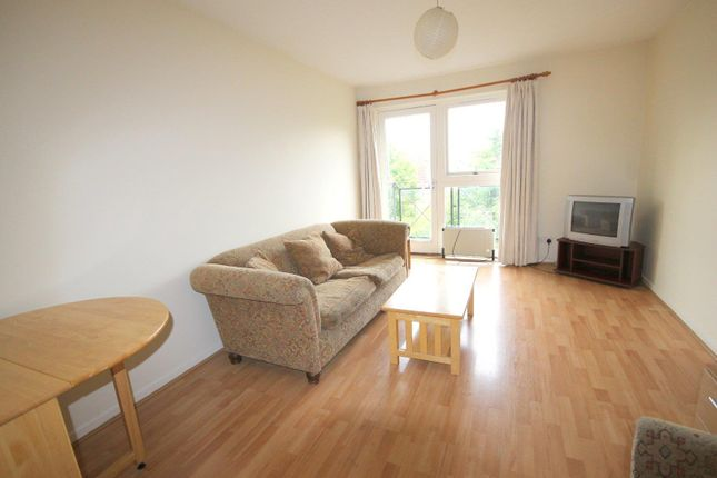Flat to rent in Taeping Street, Isle Of Dogs