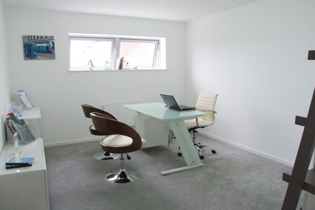 Thumbnail Flat for sale in Live/Work Unit, Green Point, Colindale