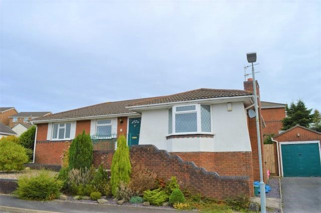 Thumbnail Bungalow to rent in Heol Ysgawen, Tycoch, Swansea