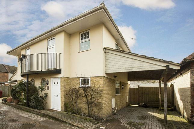 Thumbnail Semi-detached house to rent in Tuns Hill Cottages, Reading