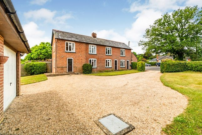 3 Bed Detached House For Sale In Newtown Road Awbridge Romsey