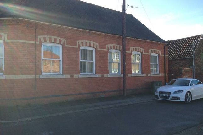 Thumbnail Flat to rent in Fieldside, Crowle, Scunthorpe