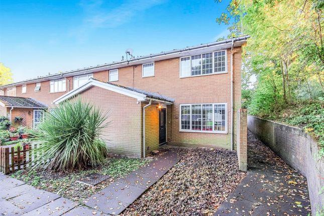 Rathgar close redhill rh1 3 bedroom end terrace house for 3 waverley terrace rathgar