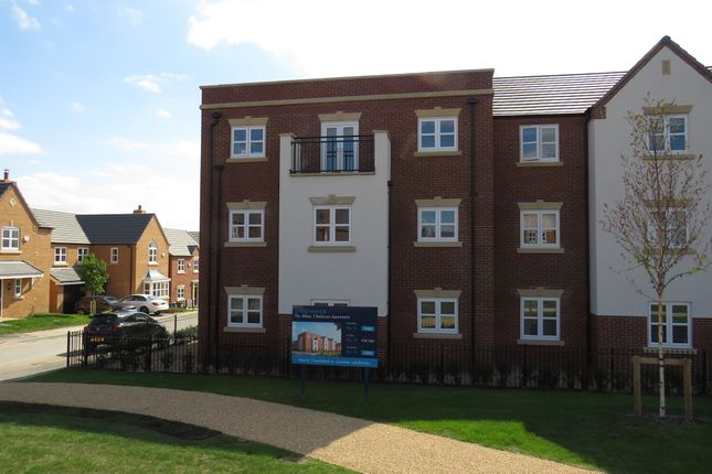 Thumbnail Flat for sale in Croft Close, Two Gates, Tamworth