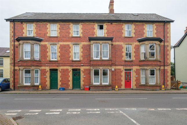 Thumbnail Flat for sale in Irfon Crescent, Llanwrtyd Wells