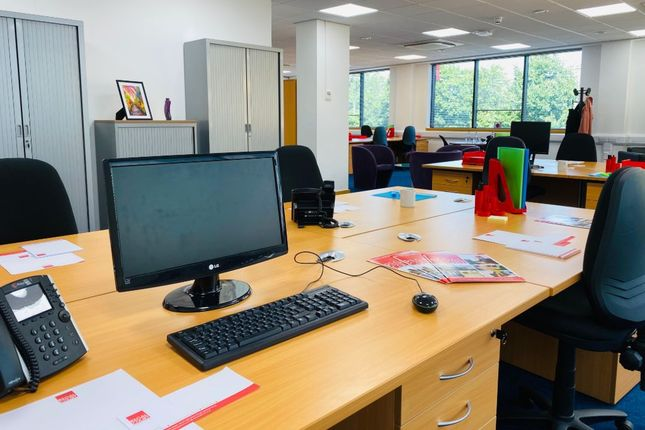 Thumbnail Office to let in Slough, Berkshire, Slough