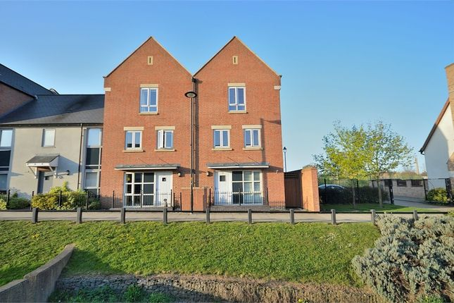 5 bed end terrace house for sale in Scribers Drive, Upton, Northampton NN5