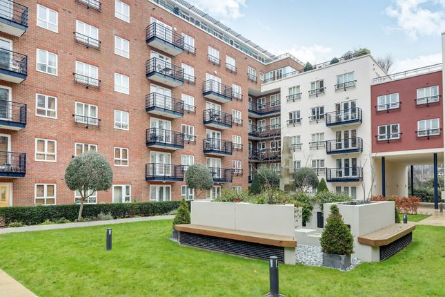 1 bed flat to rent in Royal Quarter, Kingston Upon Thames KT2