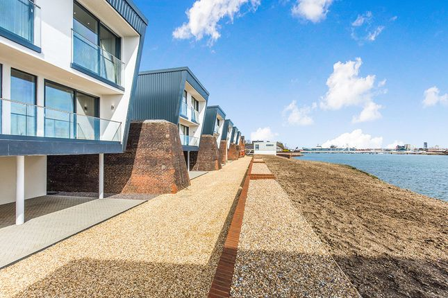 Thumbnail Detached house for sale in Heritage Way, Gosport