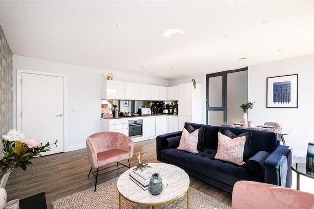 1 bedroom flat for sale in Mill Mead, Staines-Upon-Thames