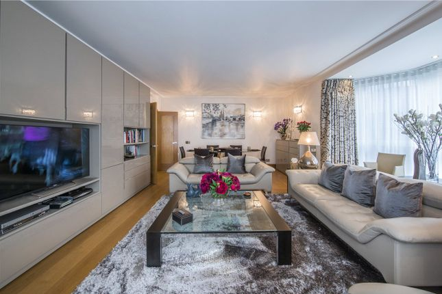 Flat for sale in Balmoral Court, Queens Terrace, St John's Wood, London