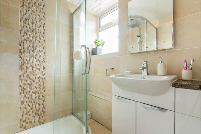 Bathroom of Croftend Avenue, Croftfoot, Glasgow G44
