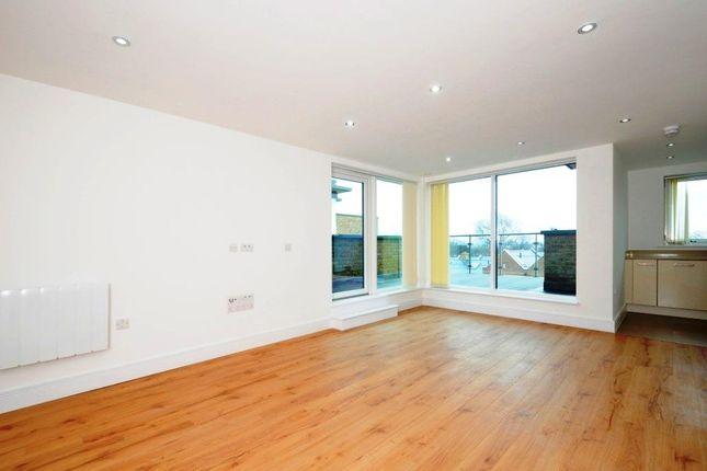 Thumbnail Flat to rent in Roehampton Lane, London
