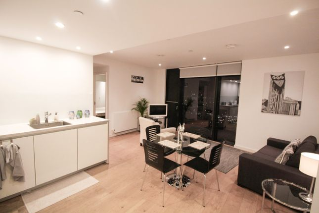 Thumbnail Property to rent in Walworth Road, Elephant And Castle, London