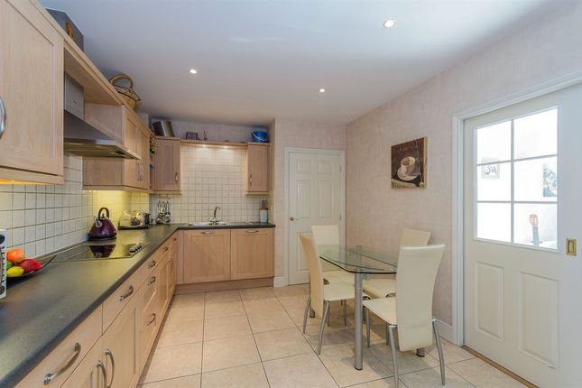 Thumbnail Flat for sale in Holly Hill, Bassett, Southampton