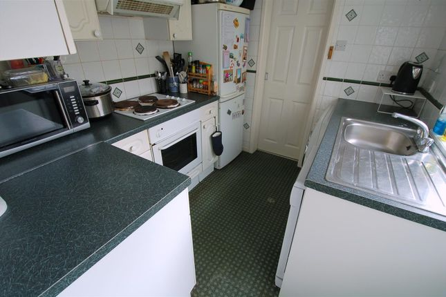 Fitted Kitchen of Fleet Street, Keyham, Plymouth PL2