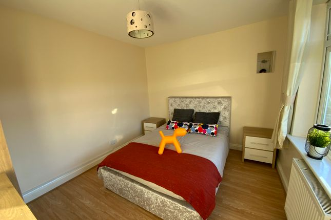 Room to rent in Chairborough Road, Cressex Business Park, High Wycombe HP12