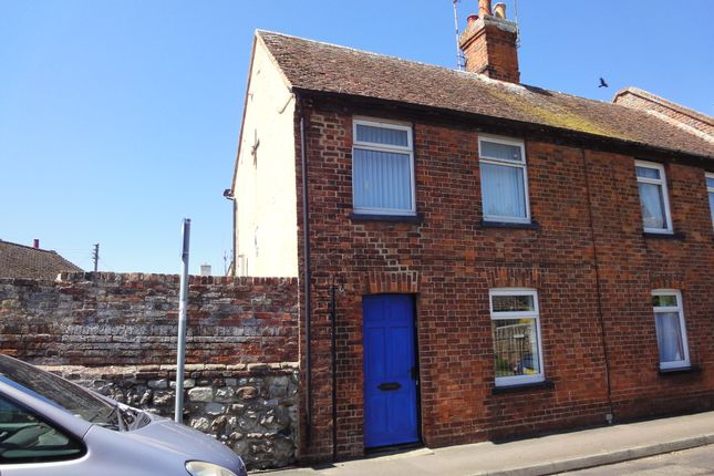 Thumbnail Cottage to rent in Victoria Street, New Romney