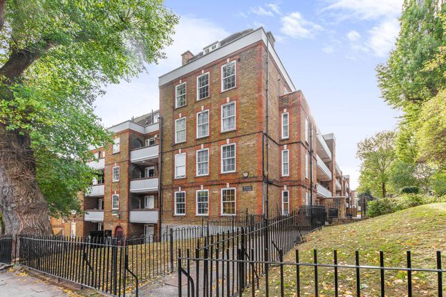 Thumbnail Flat to rent in Hazellville Road, Crouch End, London