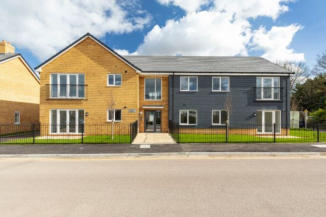 Flat for sale in Off Lumen Road, Royston