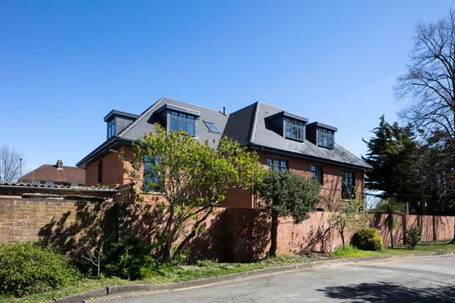 Thumbnail Flat for sale in The Broadway, Hampton Court Way, Thames Ditton