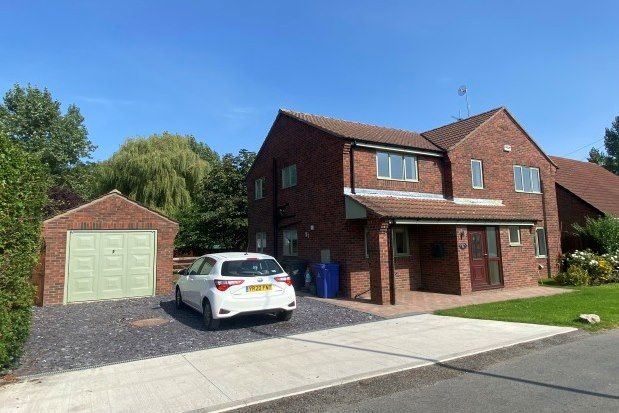 4 bed property to rent in Fenwick Lane, Doncaster DN6