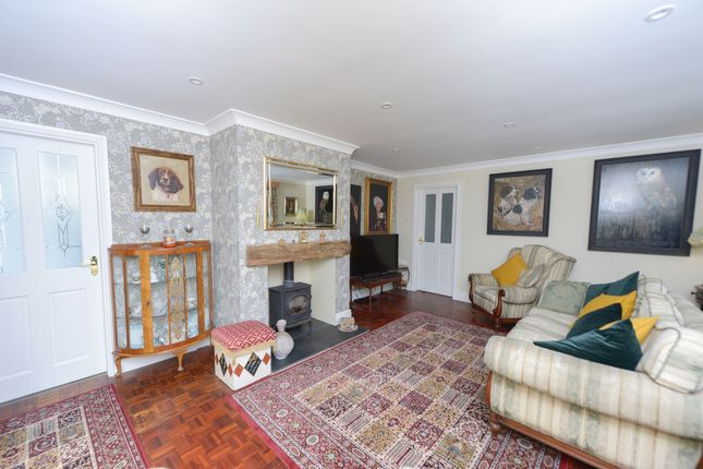Lounge of Parkland Drive, Wingerworth, Chesterfield S42
