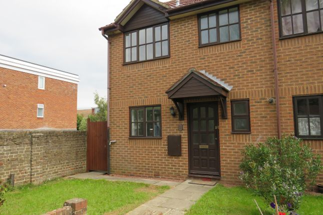 Thumbnail Semi-detached house to rent in Little Pembrokes, Downview Road, Worthing
