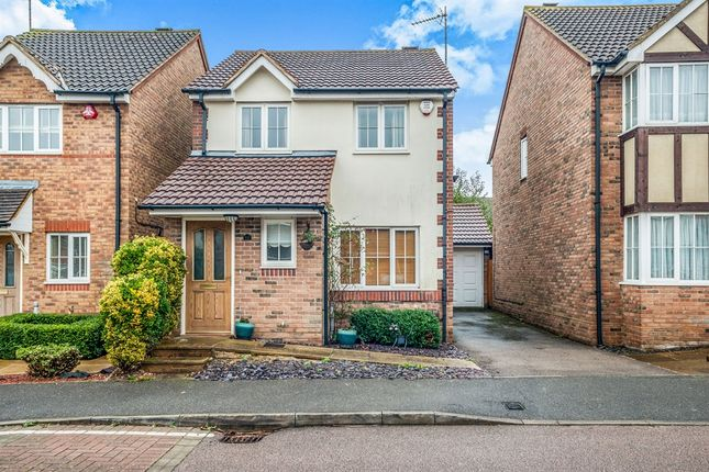 Thumbnail Detached house for sale in Griffon Way, Leavesden, Watford