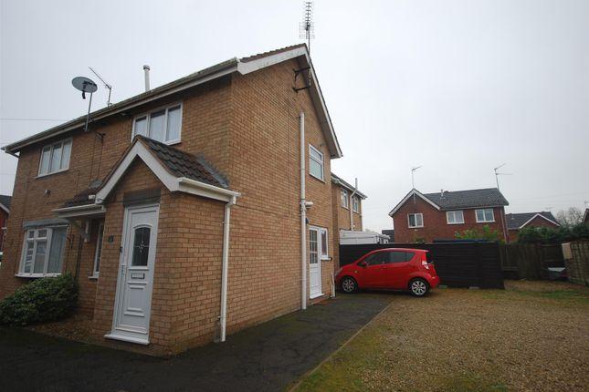Thumbnail Town house to rent in Farrow Avenue, Holbeach, Spalding