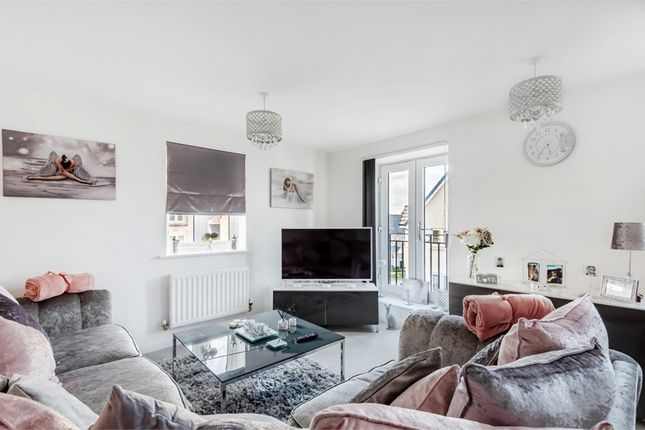 Thumbnail Flat for sale in Oxleaze Way, Paulton, Somerset