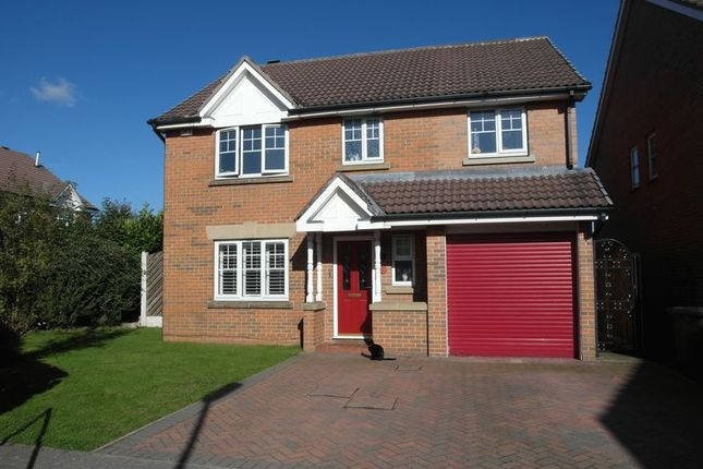 Thumbnail Detached house to rent in Hawthorne View, Gildersome, Leeds