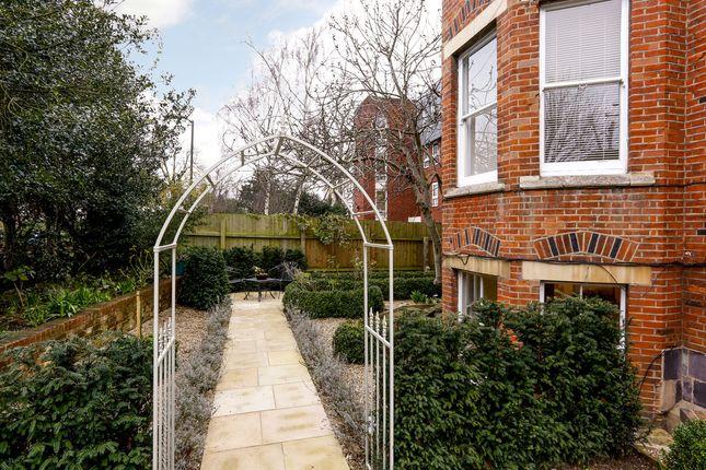 Thumbnail Flat for sale in Ridgway, Wimbledon Village