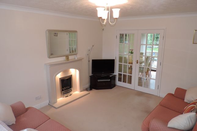 Thumbnail Detached house to rent in Highfield Drive, Royton, Oldham