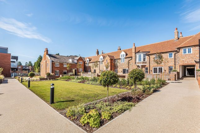 2 bed end terrace house for sale in Wordsworth Court, Laureate Gardens, Henley-On-Thames RG9