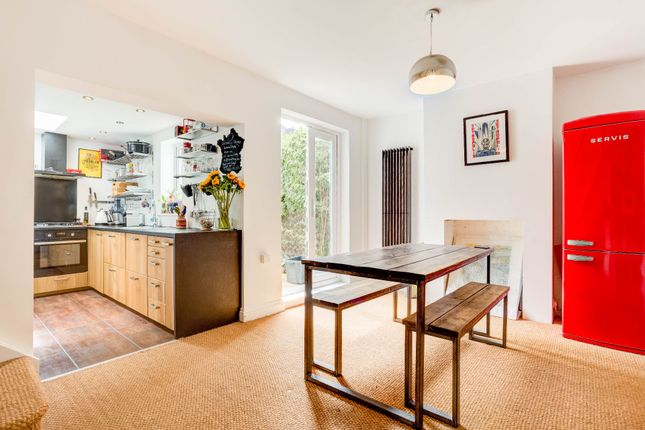 Thumbnail Terraced house for sale in Albion Hill, Queens Park, Brighton