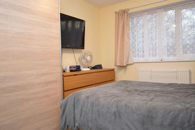 Bed 1 of Abingdon Close, Chadderton, Oldham OL9