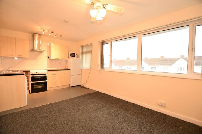 2 bed flat to rent in Park Avenue, Winterbourne, Bristol BS36