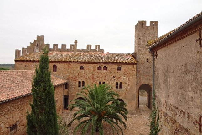Thumbnail Villa for sale in Narbonne, Rue Du Canal, 11100 Narbonne, France