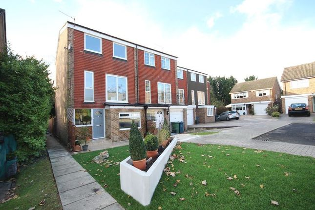 Thumbnail Town house to rent in Acacia Close, Stanmore