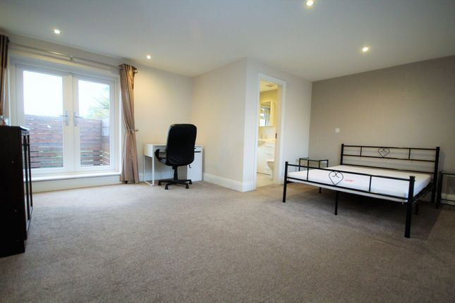 Thumbnail Flat to rent in Garstang Road Fulwood, Preston