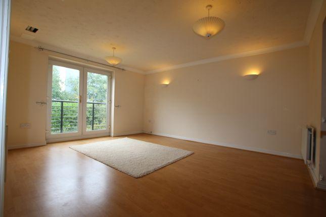 Thumbnail Flat to rent in Grasholm Way, Langley, Slough
