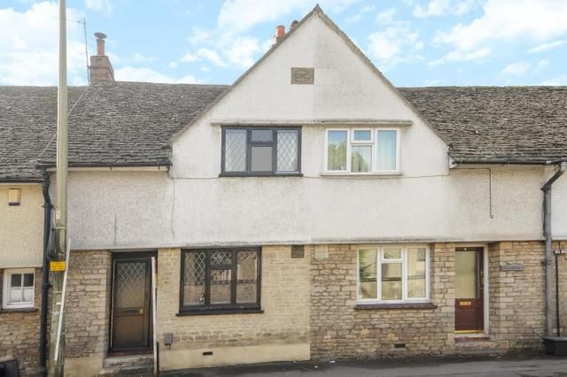 3 bed terraced house for sale in Mill Street, Witney