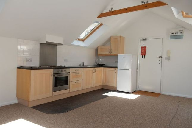 Thumbnail Flat to rent in Sussex Road, South Croydon