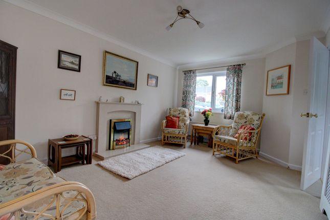 Living Room of Sett Close, Bovey Tracey, Newton Abbot TQ13