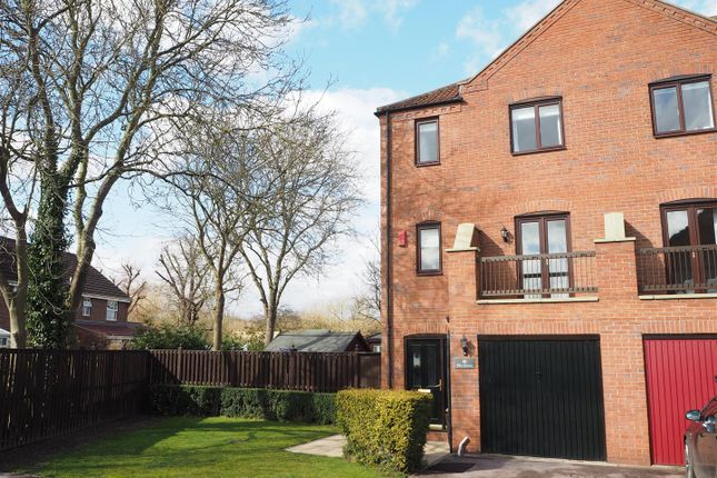 Thumbnail Town house for sale in The Osiers, Farndon Road, Newark