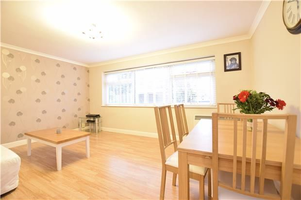 Thumbnail Flat to rent in Jenyns Court, Abingdon
